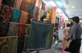 Kain Endek Bali Hanya Boleh Diproduksi Secara Tradisional