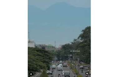 Panorama Gunung Gede Pangrango Kembali Terlihat dari Kemayoran