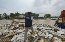 Ridwan Kamil Tinjau Perbaikan Tanggul Sungai Citarum Jebol di Bekasi