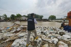 Ridwan Kamil Tinjau Perbaikan Tanggul Sungai Citarum…