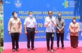 Jokowi Targetkan Vaksinasi 5 Juta Guru Rampung Juni 2021