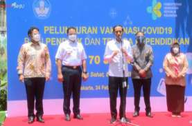 Jokowi Targetkan Vaksinasi 5 Juta Guru Rampung Juni…