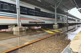 Banjir Stasiun Tawang Semarang Surut, Pelayanan Masih…