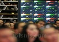 Papan pengawasan khusus bakal dibuat untuk menempatkan saham-saham yang kini diperdagangkan di level gocap atau level terendah. (Bisnis/Nurul Hidayat)