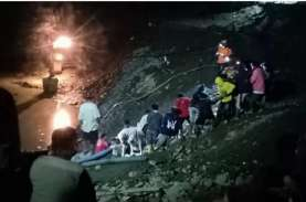 Puluhan Penambang Emas Ilegal di Parigi Moutong Tertimbun…