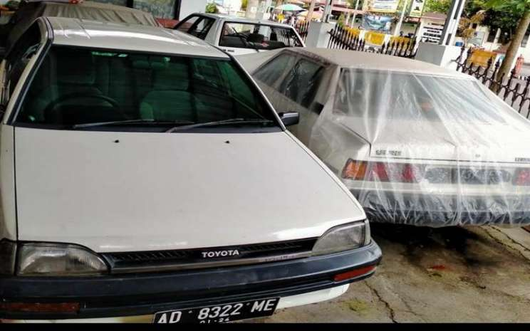Mobil Lawas Toyota