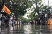 Tak Hanya Banjir, Curah Hujan Tinggi Juga Akibatkan Tanah Longsor di Kota Semarang