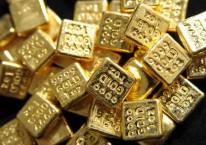 Emas batangan 24 karat ukuran 1oz atau 1 ons, setara 28,34 gram. Harga emas mengalami pergerakan ekstrim pada pekan ini yang mana sempat turun ke level US$1.800 per ons beberapa hari setelah memecahkan rekor harga tertinggi./Bloomberg