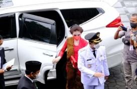 Penampilan Mewah Selvi Ananda vs Kahiyang Ayu di Pelantikan Gibran dan Bobby Nasution