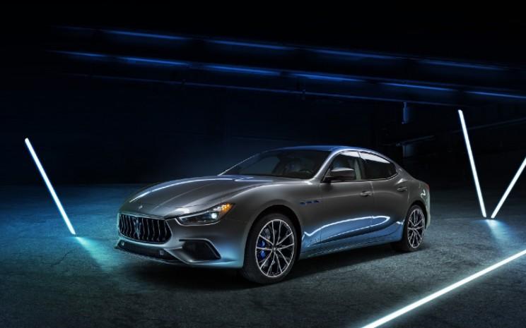 Maserati Ghibli Hybrid.  - Maserati