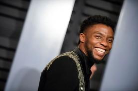 Penuh Haru, Chadwick Boseman Raih Penghargaan Aktor…