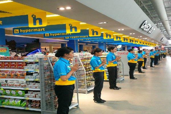 Gerai Hypermart Mall Bali Galeria, Kuta, buka lagi setelah direnovasi 2,5 bulan. - Bisnis/Feri Kristianto