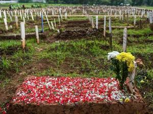 Pemakaman Khusus Covid-19 di TPU Bambu Apus Sudah Penuh