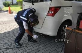 Anies: Kendaraan Tak Lulus Uji Emisi  Dikenakan Biaya Parkir Tertinggi