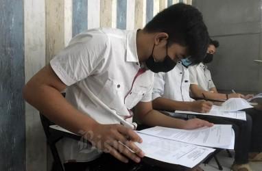7 Warga Binaan Lapas Semarang Ikuti Ujian Semester Akhir