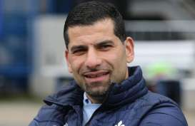 Dimitrios Grammozis Pelatih Kelima Schalke 04 Musim Ini