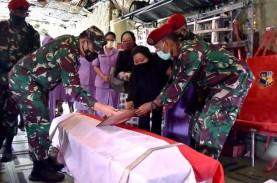Jenazah Prajurit TNI yang Gugur di Poso Dimakamkan…