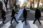Wow, Papan Penunjuk Jalan Legendaris Abbey Road Laku Rp700 Jutaan