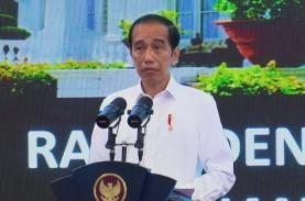 Vaksinasi Covid-19, Jokowi: Kita Berkejaran dengan…