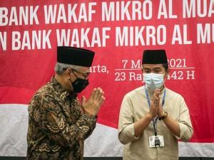 OJK Resmikan Bank Wakaf Mikro (BWM) Al Muayyad dan Al Mushoffa di Solo