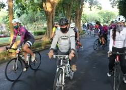Wanita Bersepeda, Menjaga Imun Tubuh dan Bangkitkan Wisata