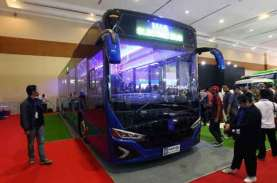 Selera Otomotif Moeldoko, Camry Hybrid hingga Bus…