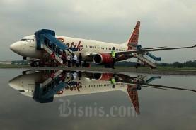 Lapisan Kaca Kokpit Batik Air ID-6561 Rute PLW-CGK…