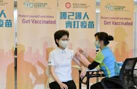 Haruskah Petugas Vaksinasi Pakai Sarung Tangan? Begini Kata Prof Zubairi