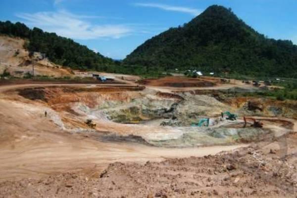 Ilustrasi: Penambangan bijih besi di Lhoong, Kabupaten Aceh Besar, Provinsi Aceh (21/4/2010). - Antara/Ampelsa