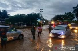 Banjir Jalan Lintas Sulawesi di Gorontalo Picu Kemacetan