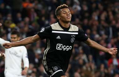 Gol Neres & Tagliafico Mantapkan Ajax Amsterdam Pimpin Liga Belanda