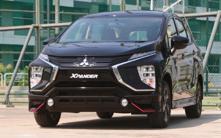 Mitsubishi Xpander Black Edition merupakan edisi spesial model Xpander yang dikembangkan dengan dengan basis varian Exceed A/T dan Exceed M/T.  - MMKSI