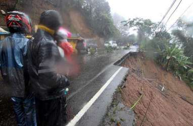 Sempat Longsor, Jalan Lingkar Kota Wonogiri Kini Kembali Normal