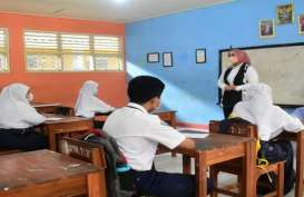 Bupati Karawang Sambangi Sekolah Pastikan Kesiapan Jelang Belajar Tatap Muka