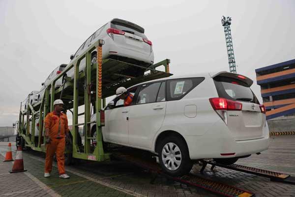 Toyota Innova siap diekspor dari Indonesia.  - TMMIN
