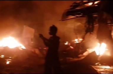 Pasar Tradisional Campurdarat Tulungagung Terbakar