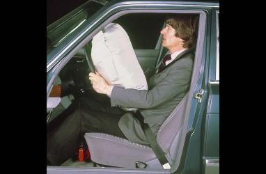 Sejarah Airbag pada Mercedes-Benz, Awalnya Cuma Fitur Opsional