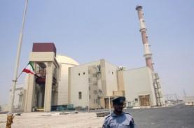 Peringatkan AS, Khamenei: Iran Tak Buru-Buru Lanjutkan…