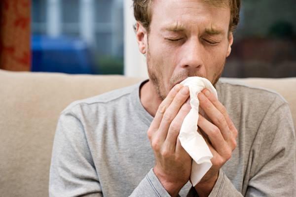 Batuk. Satu kasus TBC dapat menulari 10-15 orang di sekitarnya.  - fastpaceurgantcare.com