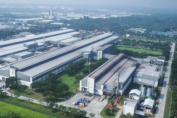 Aktivitas di salah satu pabrik PT HM Samporena Tbk tampak dari ketinggian - www.sampoerna.com