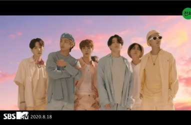 Dynamite BTS Berhasil Naik ke Peringkat 34 Billboard Top 100