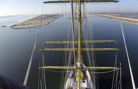 Sumbatan Terusan Suez Berpotensi Timbulkan Kerugian US$9,6 Miliar per Hari