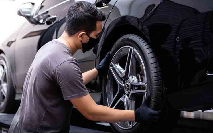 Ilustrasi pemasangan ban orisinal Mercedes-Benz.  - PT Mercedes/Benz Distribution Indonesia