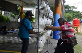 Ada Penjual Ikan Hias di Sentra Ikan Bulak Surabaya