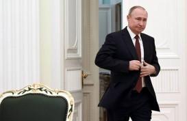 Pamer Kekuatan Fisik, Menerka Gimik Dibalik Pose Putin