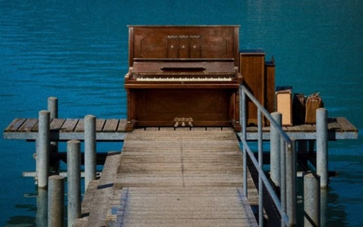 Segera tayang drama musikal Crash Landing on You.  - Pop Music dan T2N Media