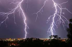 Prakiraan Cuaca DKI 31 Maret: Hujan Disertai Petir…