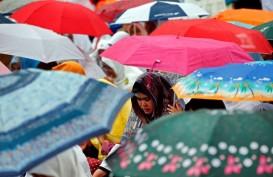 Cuaca Jakarta 31 Maret, Pagi Berawan Siang Hujan Ringan hingga Sedang