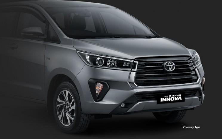 Toyota Innova.  - TAM