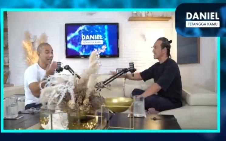Marcell Siahaan dan Daniel Mananta - youtube